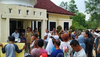 Lurah Apresiasi Aksi Demo Warga Matras Berjalan Damai dan Tertib