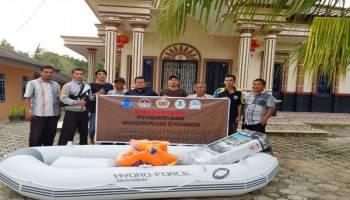 Mahasiswa Babel di Jogja Bantu Perahu Karet Korban Banjir Muntok