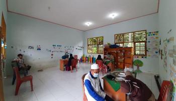 Mahasiswa Bina Desa Ormawa FE UBB Gelar Pengobatan Gratis Bagi Warga Desa Pebuar