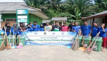 Mahasiswa KKN UBB Gotong Royong Bersama Warga