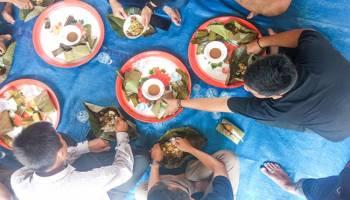 Makan Bedulang, Tradisi Sarat Nilai Kebersamaan