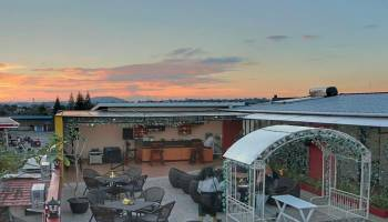 Makan Beratap Langit Di Sky Terrace Cafe