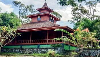 Masjid Kayu Tua Tunu, Terinspirasi Cinta Kampung Halaman