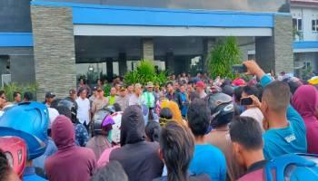 Massa Pro Tambang Legal Di Kubu Sesalkan DPRD Basel Beda Perlakuan
