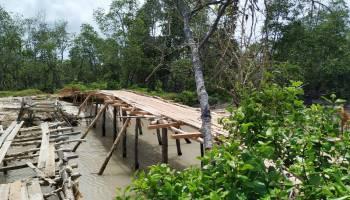 Masyarakat Desa Gunung Pelawan dan Desa Bintet Keluhkan Kondisi Jembatan Penghubung Tidak Layak Pakai
