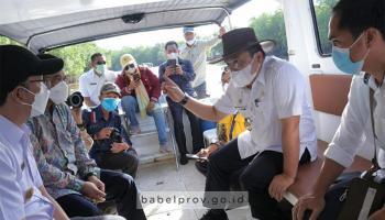 Matangkan Rencana Pengendalian Banjir, Gubernur Susuri Sungai Kurau