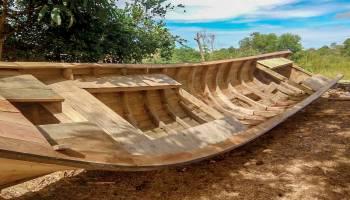 Maula Hasilkan Belasan Juta Dari Membuat Perahu