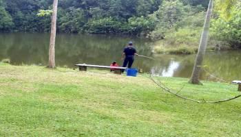 Menikmati Keasrian Kolam Pemancingan Alam Desa Air Mesu