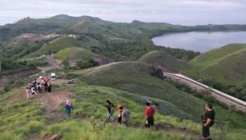 Menikmati Pemandangan Labuan Bajo dari Bukit Sylvia yang Mempesona