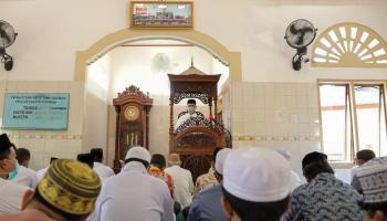Menjadi Khotib Dalam Shalat Jumat, Gubernur Erzaldi Ajak Maknai Lebih Ramadan