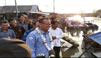 Menteri Kelautan dan Perikanan Sambangi Nelayan Desa Kurau, Janjikan Kemudahan dan Perizinan