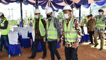 Kepala Bappenas Tinjau Proyek Pembangunan Embung Konservasi Kolong Mempaya