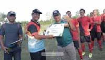 Merawang FC Juarai Sepak Bola U-40 Babel Sports Games 2021