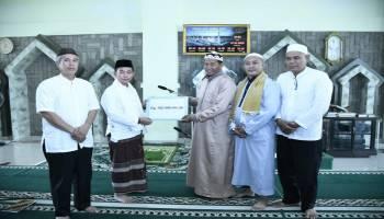 Mulkan Berikan Bantuan Dana Hibah 500 Juta Pada Jum'at Barokah di Masjid Nurul Iman
