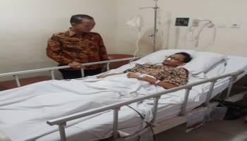 Bupati Mulkan Besuk Pegawai Pemkab Bangka yang Dirawat di RS Pelni Jakarta