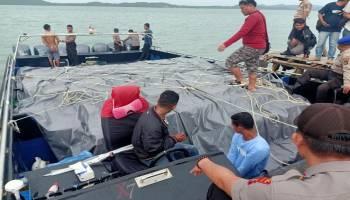 Nasib Kapal Pengangkut Miras, Dikejar Pakai Helikopter, Dihujani Tembakan, Lalu Ditangkap