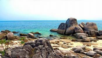 Pantai Penyusuk Mutiara Dari Utara Bangka