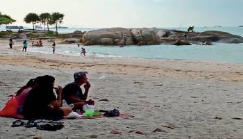 Pantai Rambak Tawarkan Pemandangan Alami
