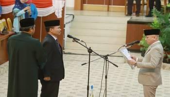 Parade Foto Pengucapan Sumpah PAW Anggota DPRD Babel Sisa Masa Jabatan 2014-2019