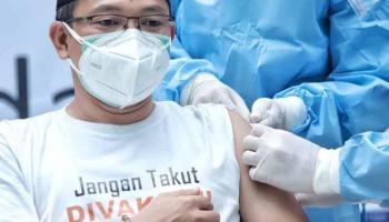 Pasca Vaksinasi Covid-19, Amri Cahyadi Ditanya Ini oleh Nakes