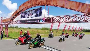 Pecinta Honda CBR Unjuk Nyali di Lintasan Balap