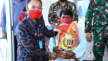 Pemkab Bangka Salurkan 2.092 Paket Sembako di Kecamatan Riau Silip