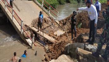 Pemprov Babel akan Pasang Jembatan Bailey Pengganti Jembatan Ambruk