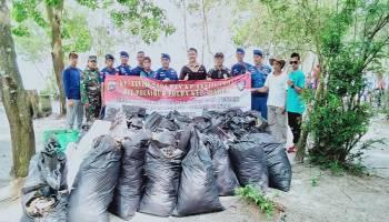 Peringati Hari Peduli Sampah Nasional, HKM Kapitan Hijau Ajak Bersih - Bersih Pantai Lepar