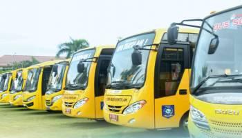 Perusahaan Smelter Bantu 11 Bus Sekolah