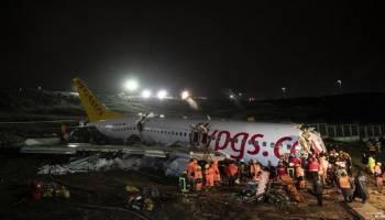 Pesawat Pegasus Airlines Tergelincir dan Terbelah Jadi Tiga Bagian