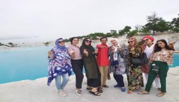 Pesona Danau Kaolin Pukau Wisatawan Asal Batam