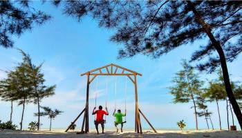 Pesona Pantai Takari, Daya Tariknya Membawa Berkah Bagi Masyarakat