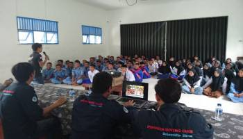 Pinguin Diving Club UBB Gelar Diving Goes To School ke Sekolah di Basel