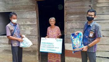 PLN Babel Bagikan 990 Paket Sembako untuk Dhuafa Terdampak Covid-19