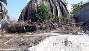 Pokdarwis Kecam Pemborong Yang Tak Bersihkan Sampah Bekas Pembangunan Gazebo