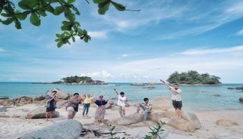 Potret Pesona Keindahan Pantai Pulau Bio yang Instagramable