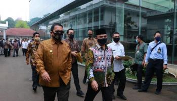 Presiden Jokowi Minta Seluruh Gubernur Jangan Menghambat Ekspor