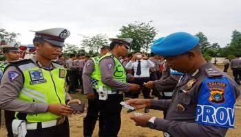 Propam Polres Babar Periksa Kelengkapan Personel
