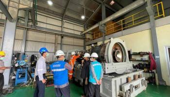 Proses Instalasi Komponen Mesin Capai 81 Persen, PLN 24 Jam Non Stop Pulihkan Sistem Kelistrikan Pulau Bangka
