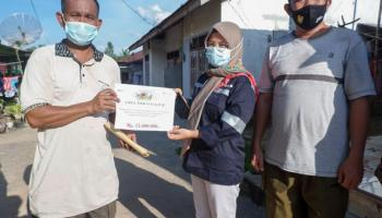 PT Timah Bantu Bangun Pagar TPA Hingga Perbaiki Jalan Warga di Bangka Barat