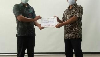 PT Timah Bantu Perbaikan Akses Jalan Nelayan Desa Kayu Arang