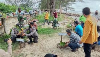 PT Timah dan BPDASHL Bantu Kegiatan Penanaman Pohon PD IPM Pangkalpinang