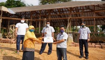 PT Timah Serahkan Bantuan Peralatan Outbond untuk Sekolah Alam Pangkalpinang