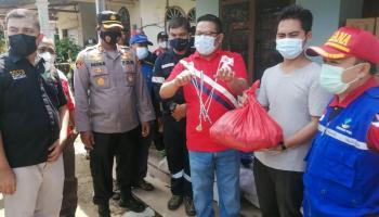 PT Timah Serahkan Paket Sembako untuk Korban Puting Beliung di Toboali