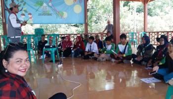 Pupuk Cair Okeyboz Mulai Diperkenalkan, Elly Sebut Pupuk Ini Cocok Untuk Pascarehabilitasi Lahan Kritis