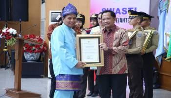 Raih Penghargaan Kabupaten Sehat, Ibnu Saleh Ingin Bangka Tengah Lebih Unggul di Masa Depan