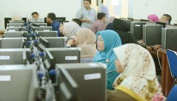 Raih Standar Internasional, 100 Tendik UBB Ikut Tes Sertifikasi Microsoft