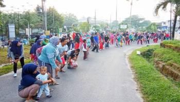 Ratusan Warga Ikuti Senam Massal Desa Karya Makmur