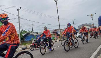 Rayakan HUT ke-7 NAM Air, Puluhan Peserta Ikuti Fun Bike di Belitung