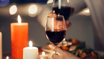 Rayakan Valentin Sambil Makan Malam Sepuasnya di Hotel Santika Bangka